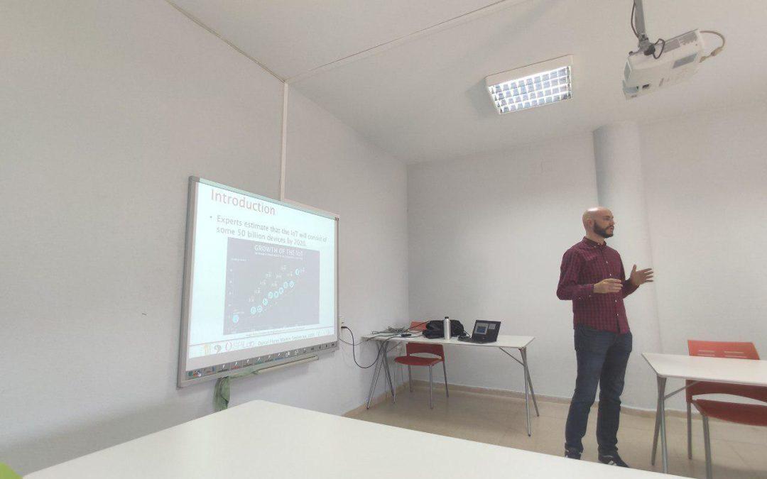 Daniel Flores, Máster en Dirección TIC